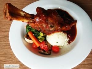 Aust. Braised Lamb Shank Paling Sedap!