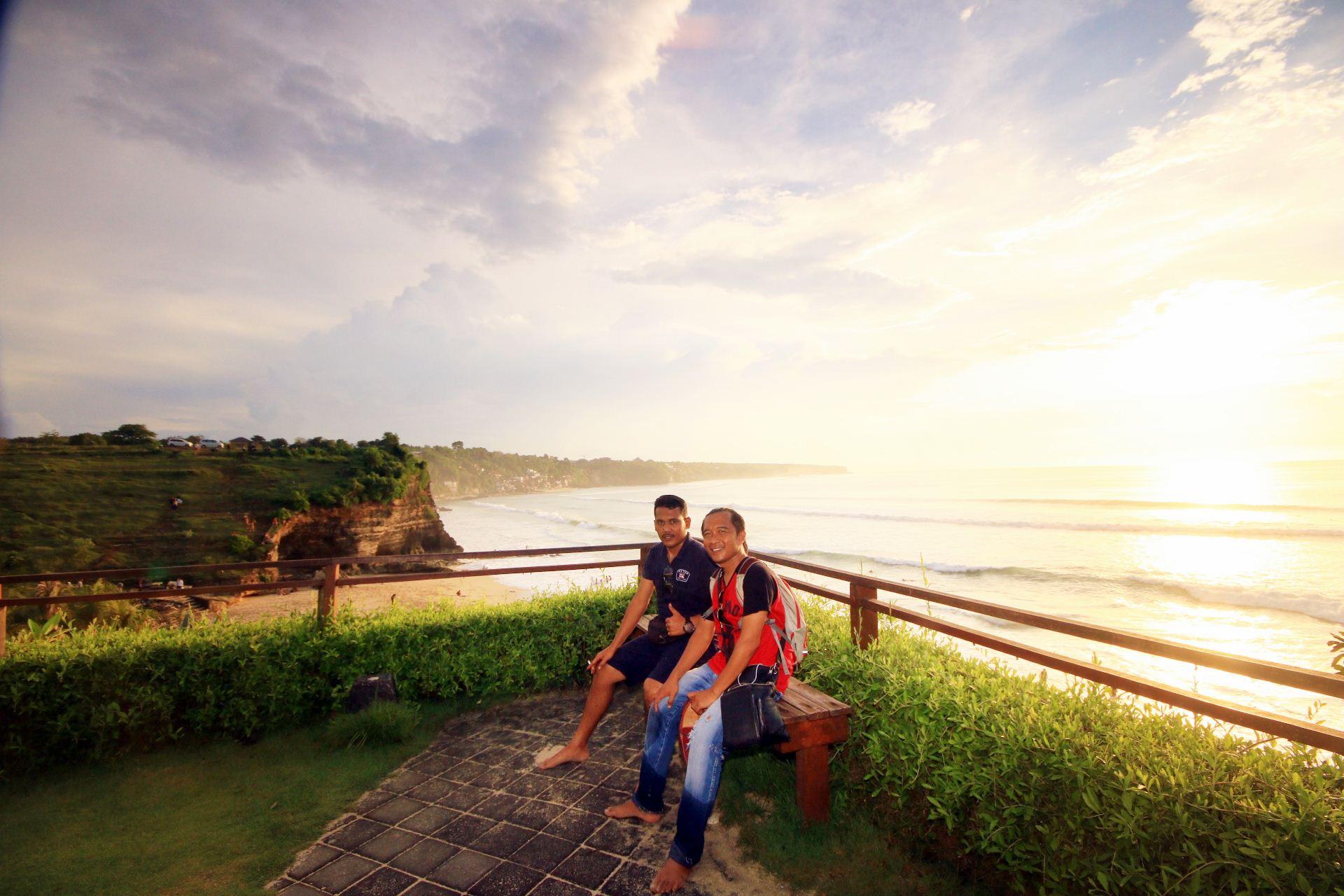 tour guide Avriel Yantohood Di Bali