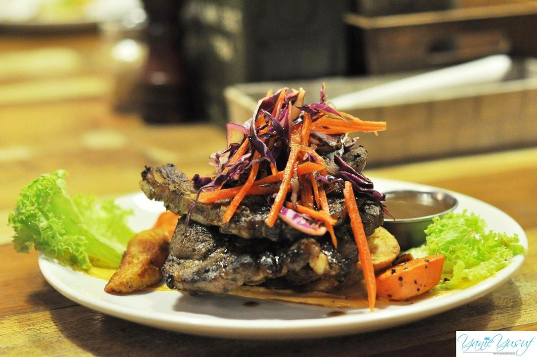 QUICK SEARED LAMB SHOULDER dengan WEDGES