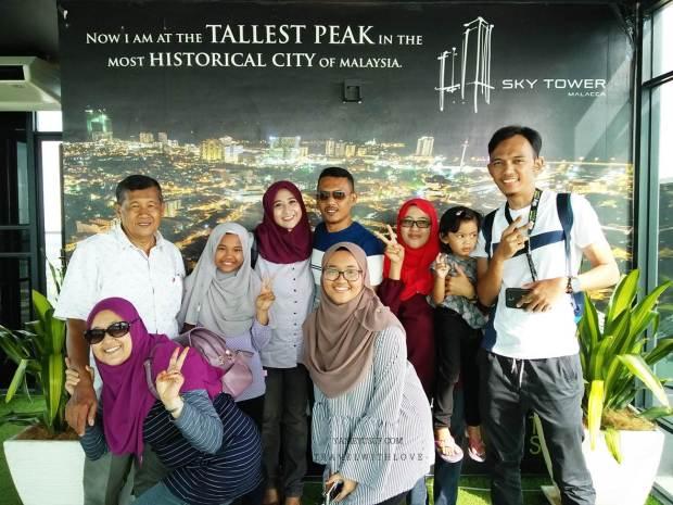 Sky Tower Melaka Menguji Tahap Gayat Seseorang