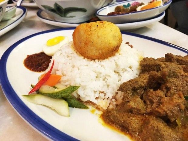 Nasi Rendang Daging + Percuma Air (RM15.90)