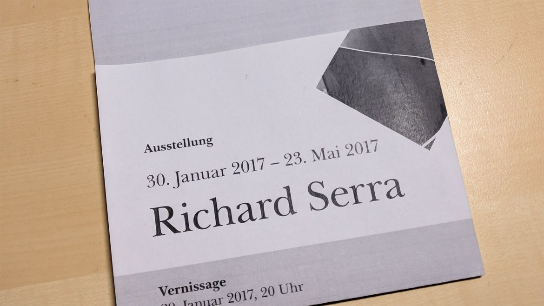 plakat_web Richard Serra: Faltplakat und eigene Schrift gestalten