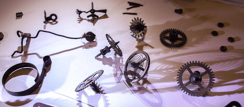 Engrenage et diverses pièces métalliques