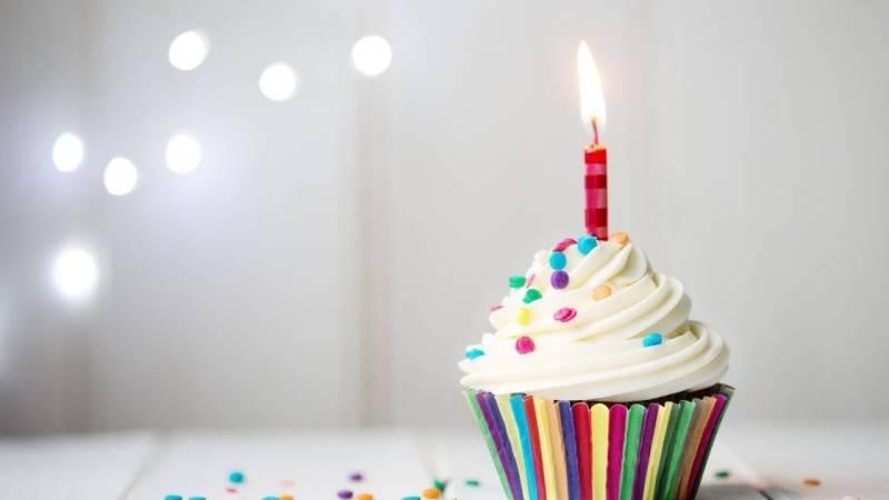 Gâteau d'anniversaire avec 1 bougie