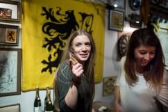 6 janvier 2017, Lille (59), FRANCE. Une sympathisante de Génération Identitaire Flandres lors des voeux du groupe politique à La Citadelle de Lille. Elle est devant le drapeau des Flandres, signe de l'enracinement et de la défense des territoires que prônent les identitaires.