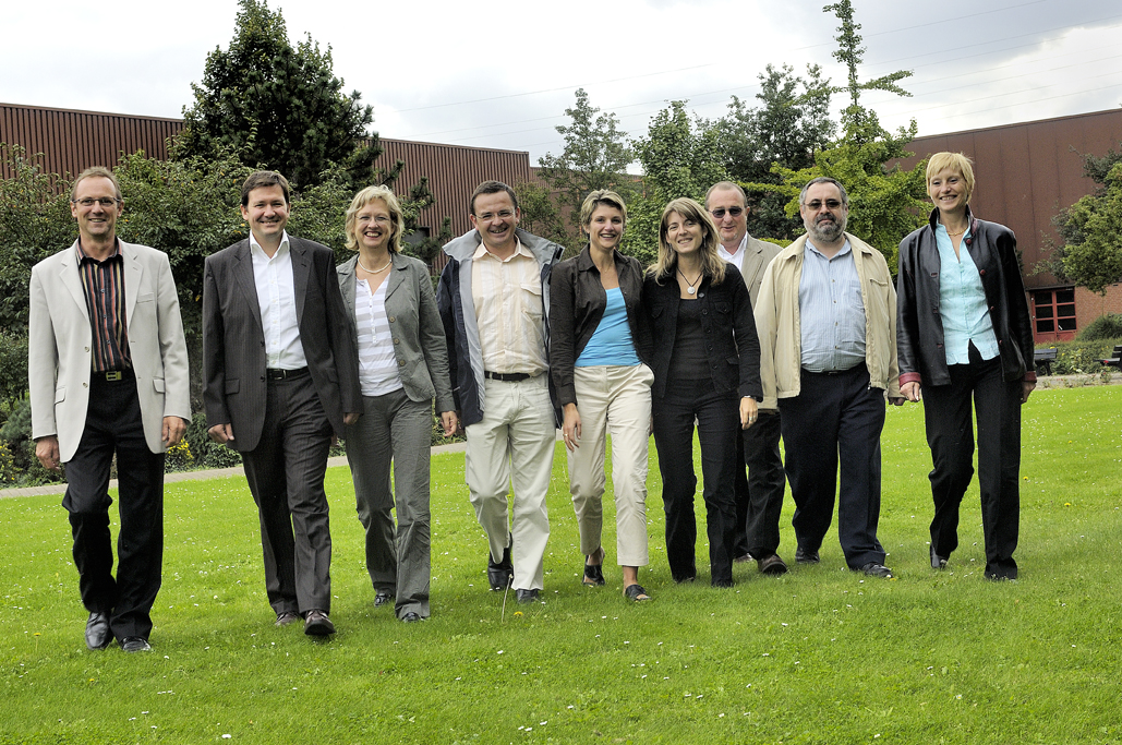 photo-groupe-personnage-industrie