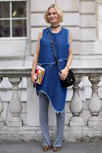 джинсовое платье с брюками