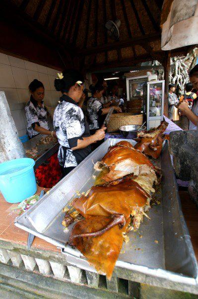 バビグリン バリ島の豚の丸焼