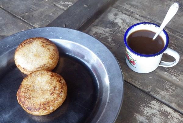 マダガスカルの米粉のお菓子ムフグレフ