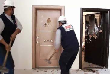 Çelik kapı alırken...
