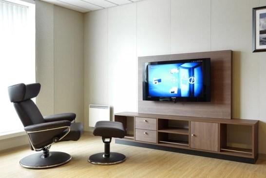 Televizyon koltuğu evde hiyerarşi yaratmamalı