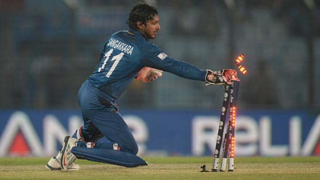 Kumar Sangakkara of Sri Lanka runs out David Miller of South Africa during the ICC World1 د IPL تکړه وېکټ ساتونکي او ریکارډونه یې