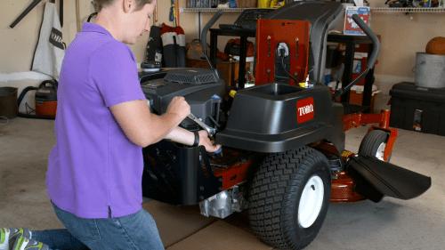 small resolution of engine maintenance tips for toro zero turn mowers yard care blog yard lawn maintenance advice and tips toroyard care blog yard lawn maintenance