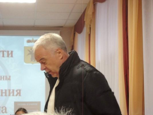 Олег Гонозов