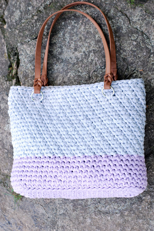 Autumn Blooms Purse – Free Crochet Pattern