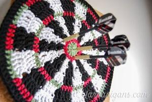 crochet dartboard mandala project blog featured image