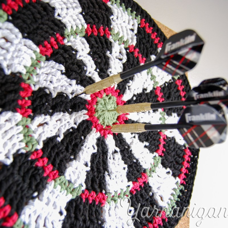 crochet dartboard mandala project blog featured image