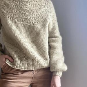 LeKnit - lhs12_peacock_sweater_1