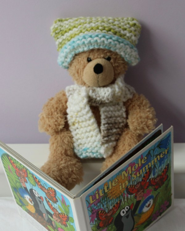 Knitting kit for kids - hat and scarf for teddy