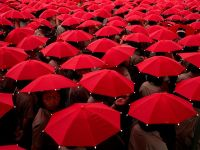 red-umbrellas-cobb_1513_600x450
