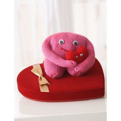 Free #knitting pattern \\ Monster for your love \\ http://ow.ly/Y0iD3 @yarnspirations #valentinesday