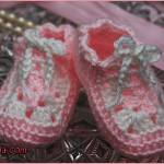 Crochet Tutorial: Mini Square Baby Shoes