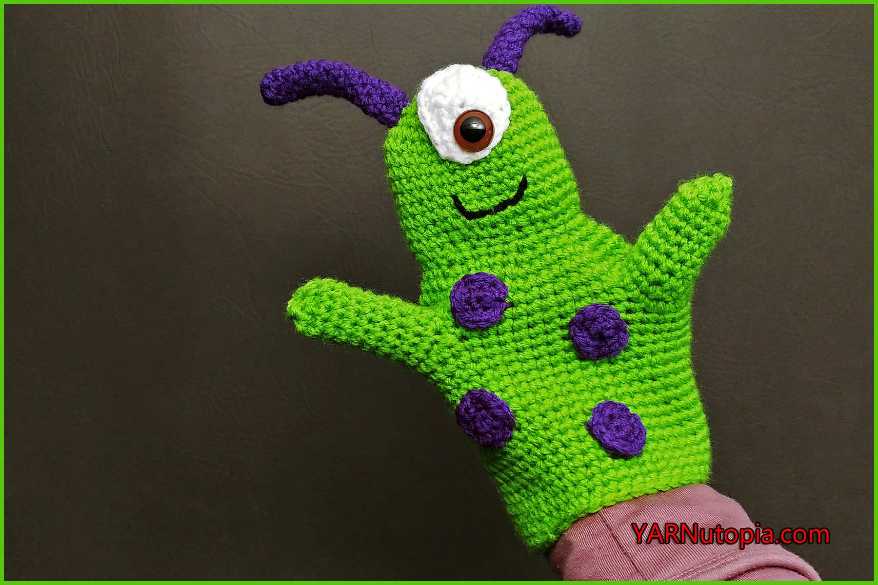How to Add Eyelashes on Amigurumi Crochet Dolls [Video Tutorial ... | 1200x1800