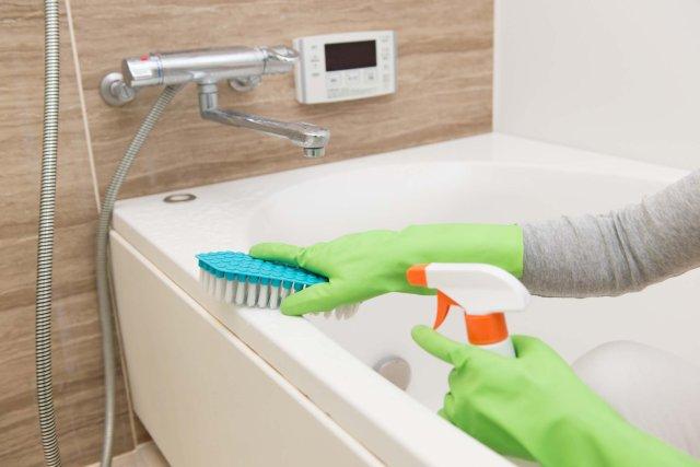 Banyo Akrilik Küvet ve Duş Teknesi Nasıl Temizlenir