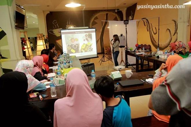 workshop fotografi produk , foto produk, foto produk hp, workshop fotografi hp