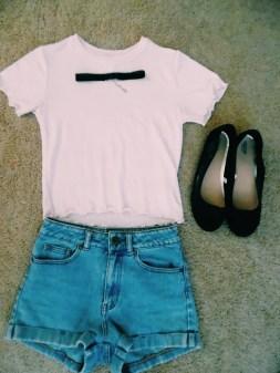 Shirt - Forever 21, Shorts - Mom Jeans Bullhead PacSun, Shoes - Target