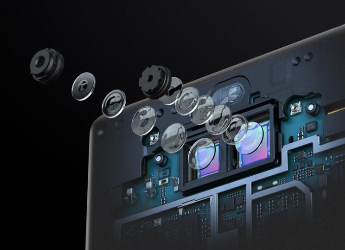 「Xperia 10 Plus」のデュアルカメラ
