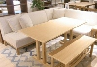 やすとものどこいこで紹介されたポトスのコーナーソファー テーブルセット