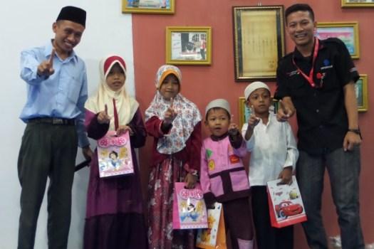 Ramadhan Ceria Anak Yatim Bersama MPM Motor Jombang