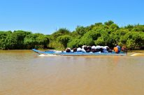 A boat transporting goods in the Tonlé Sap Lake