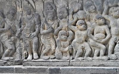Vanara Sene Building Rama Setu - Ramyana bas-relied carved in Prambanan