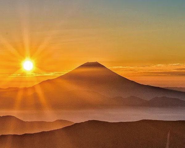 日本に いた 赤い富士