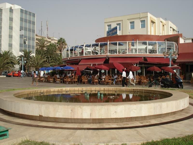 одна из самых центральных площадей, чуть правее музей берберской культуры