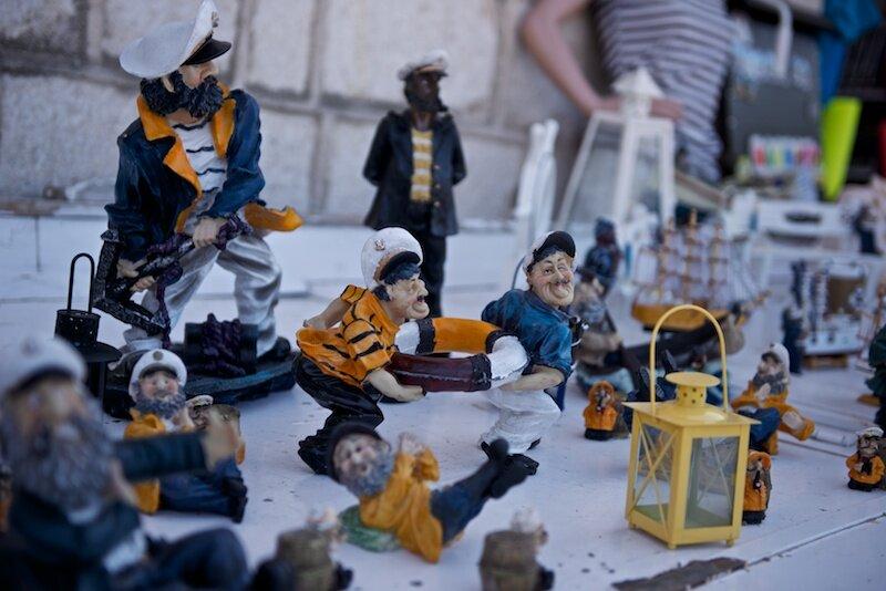Фигурки моряков