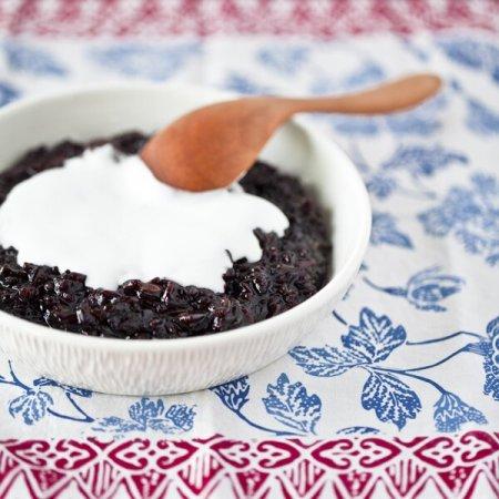 Сладкий пудинг из черного риса