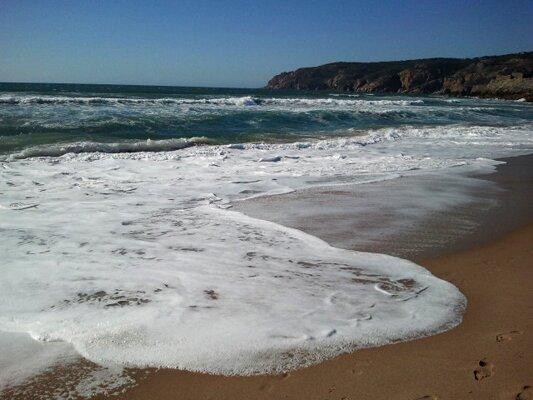 Пляж Гиньша с видом на Cabo de Roca