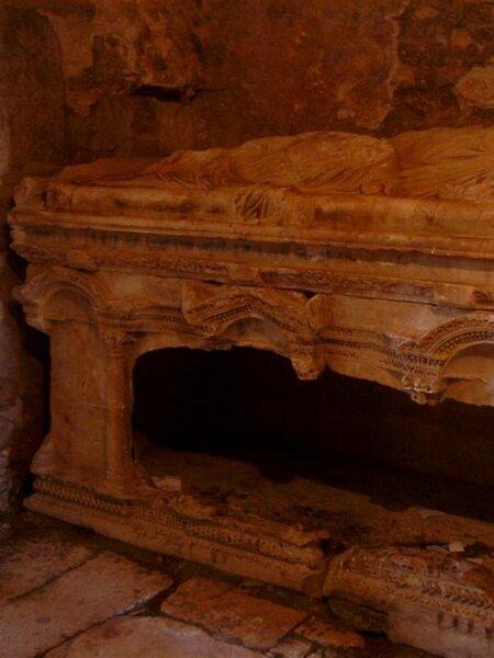 Саркофаг Святого Николая в Демре