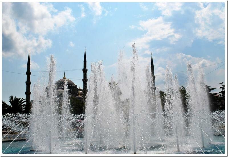 Фонтан на площади Султанахмед, Стамбул
