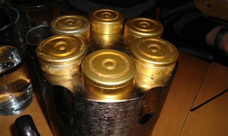 Русская рулетка, или выстрел в голову