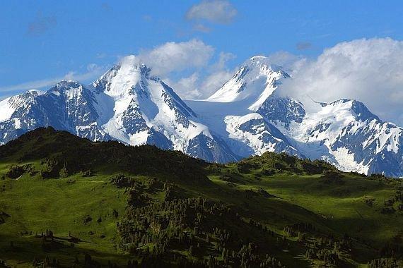 vedere slabă și munte)