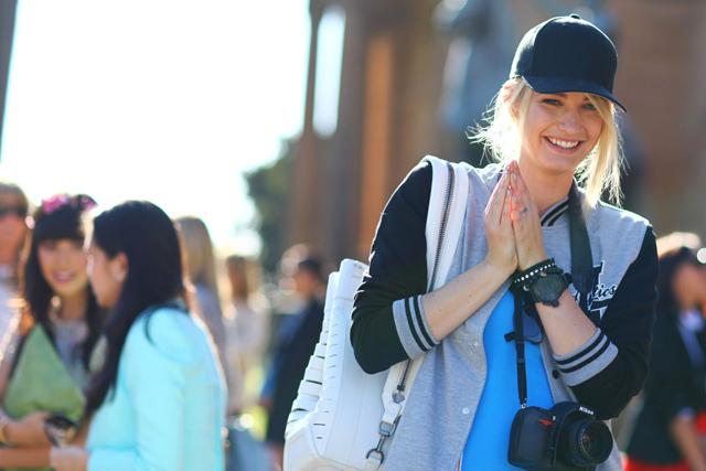 Женские кепки: как подобрать цвет и форму по типу лица