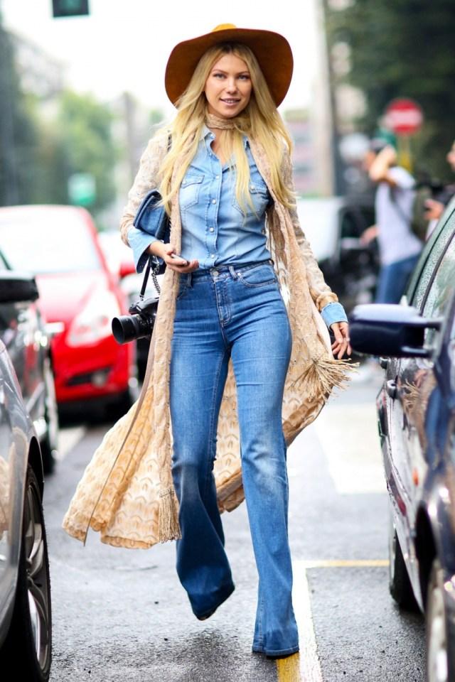 На фото: американский стиль кантри -шляпа, джинсы, сапоги.