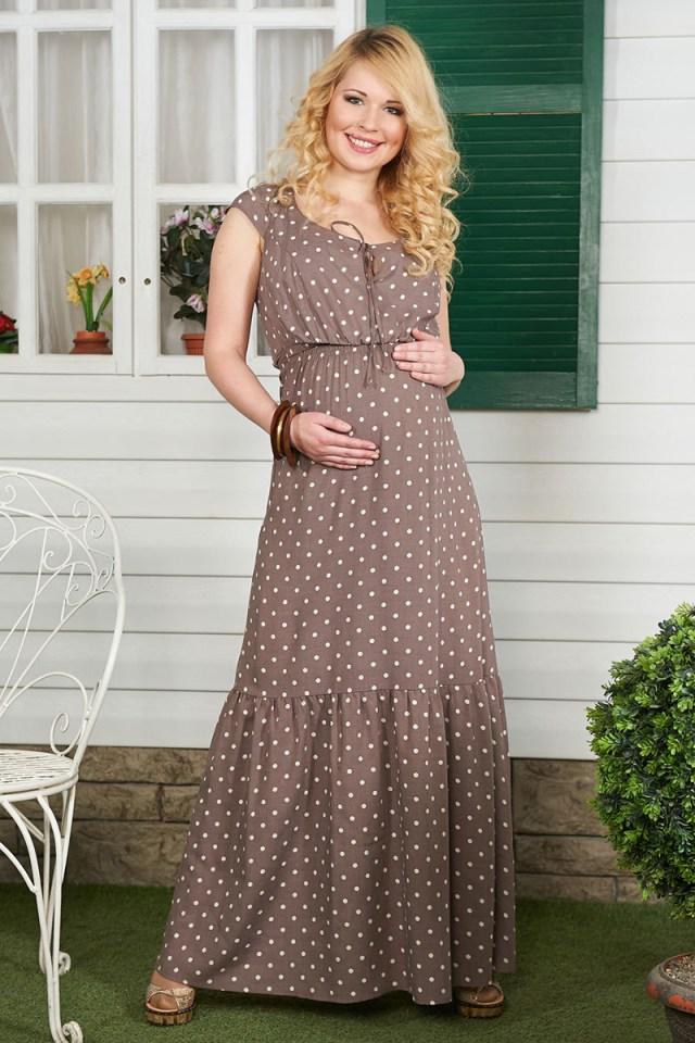 Беременных обязательно стоит присмотреться к длинным платьям и сарафанам с поясом под грудь.