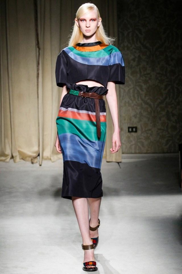 Модная юбка в полоску – фото новинка в коллекции Aquilano.Rimondi