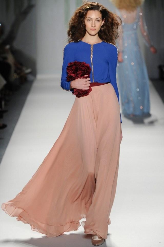 Нежная модная юбка Jenny Packham с синей рубашкой