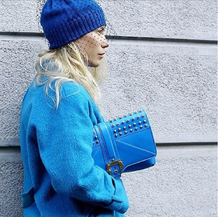 Синяя шапка с вуалью - фото новинка